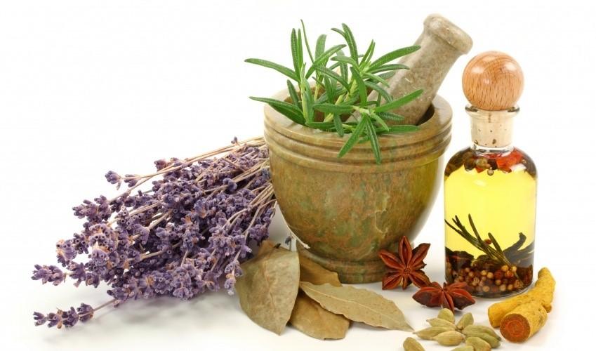 عرقیات گیاهی: یک زمینه در حال رشد در طب سنتی