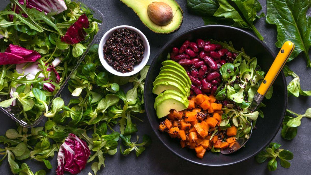 ۷ گزینه غذایی را هرگز در مایکروویو گرم نکنید!